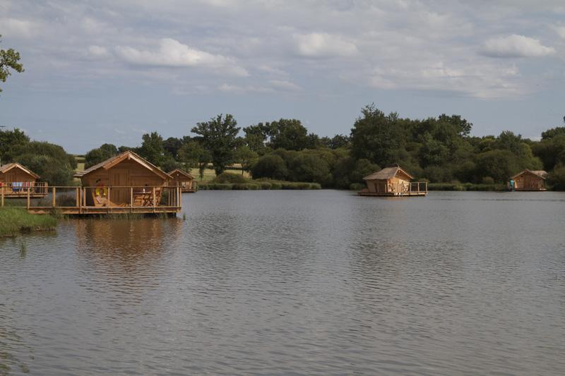 cabane au village flottant de Pressac