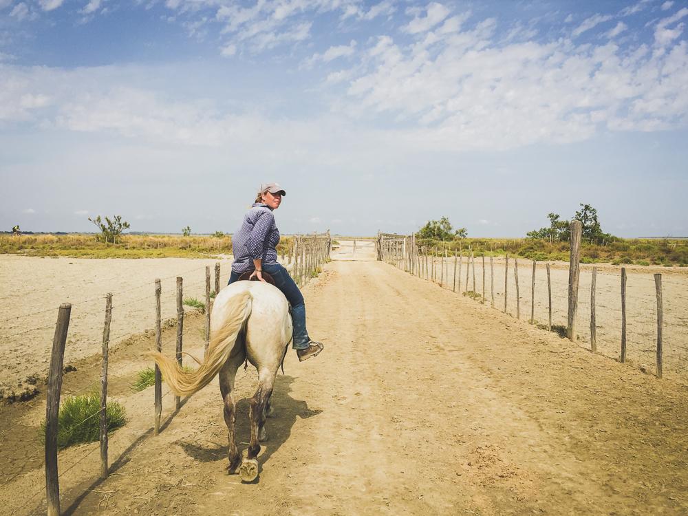 Cavalière Cheval Blanc Manade